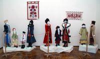 Выставка национальных костюмов в Сакском городском музее
