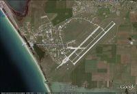 Незаконные дачи около военного аэродрома под Саками