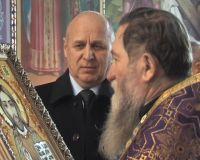 Городской голова Саки подарил икону  Свято-Ильинскому храму, 12 апреля 2011