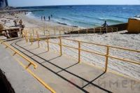 В Крыму только семь пляжей приспособлены для инвалидов