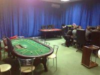 В Саках прикрыли мужской покерный клуб