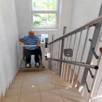 В здании Сакского горсовета установили инвалидный подъемник