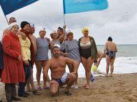 Открылся 30-й сезон зимнего плавания в Саках