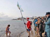 Сакские моржи участвовали в  «Рождественском заплыве» в Евпатории