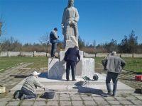 Сакские власти проверили состояние памятников Великой Отечественной войны