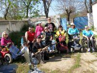 Пробное занятие лучников на инвалидных колясках