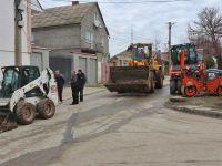 В Саках начали асфальтирование дорог