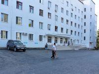 В Сакской районной больнице меняют асфальт