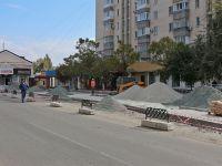 У входа на сакский рынок начали строить остановку, 5 октября 2016