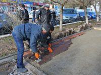 На Симферопольской началась укладка тротуарной плитки