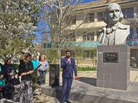 Мероприятие у памятника Н.В.Гоголю на Курортной, 31 марта 2017