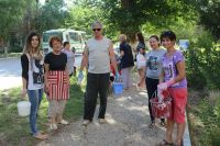 Сотрудники администрации города Саки приняли участие в субботнике, 28 августа 2017