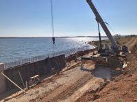 Ход строительства набережной у лечебного озера