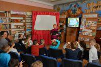 Сакские дети знакомятся с профессией библиотекаря