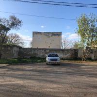 Очистили старый заброшенный кинотеатр