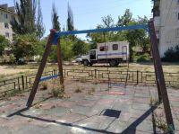 Детские площадки в Саках нуждаются в ремонте